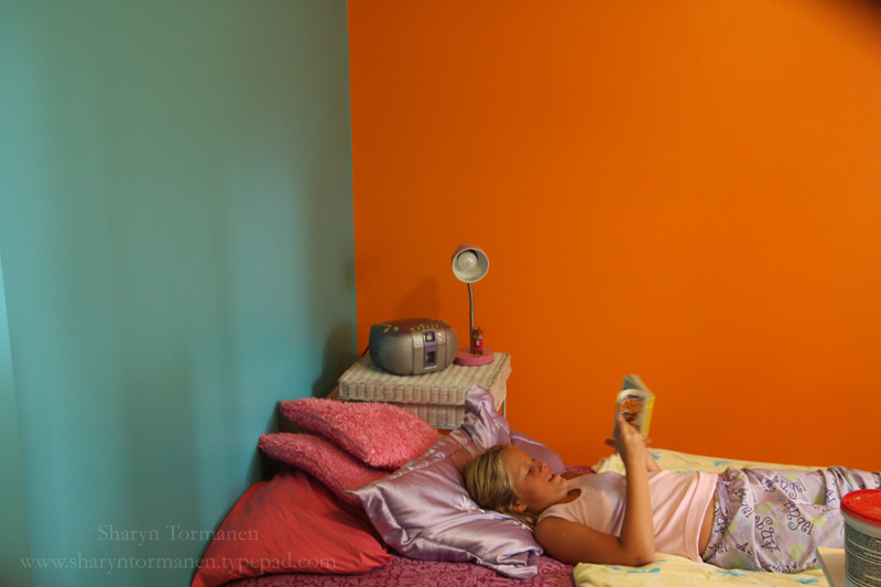 Live from Tormville!: The orange wall and the turquoise wall