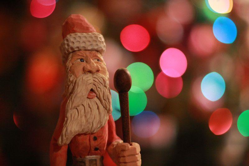 Hand carved santa 009