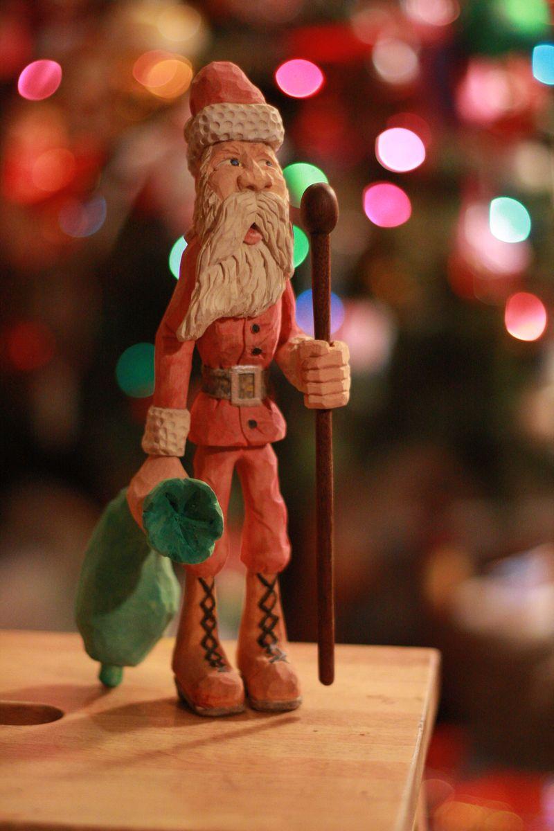 Hand carved santa 010