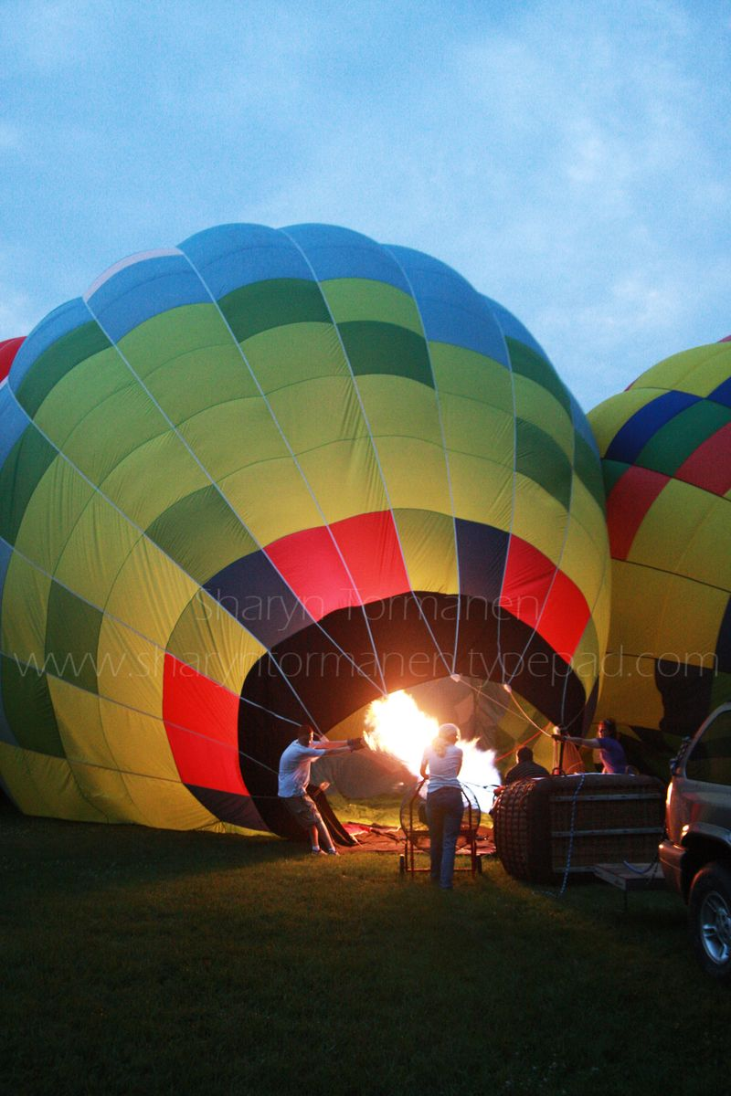 Blog_balloonfest glow_camera1 012