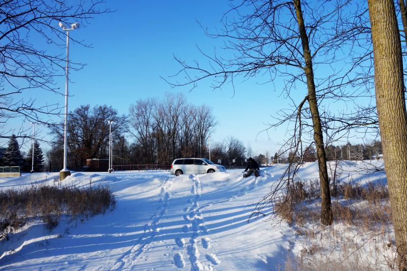 B_snowshoes 029