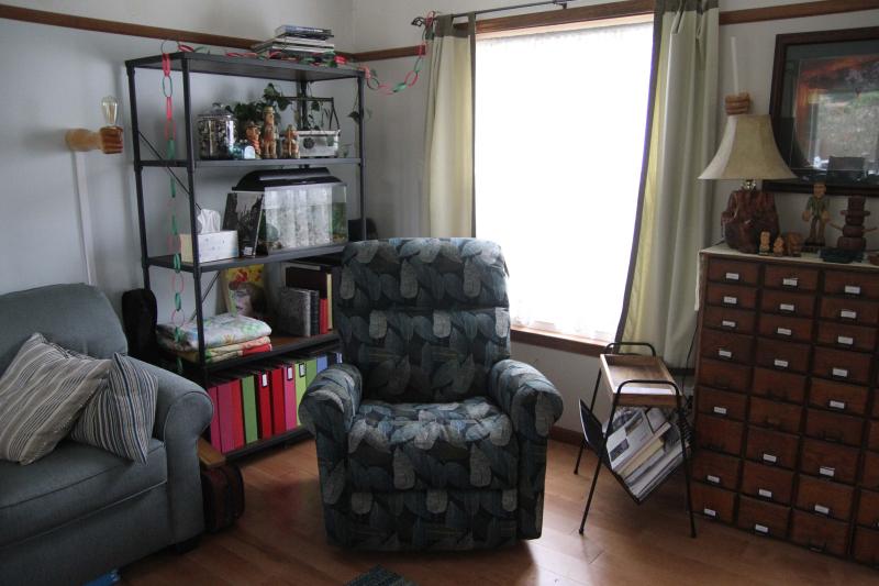 B_chair 002