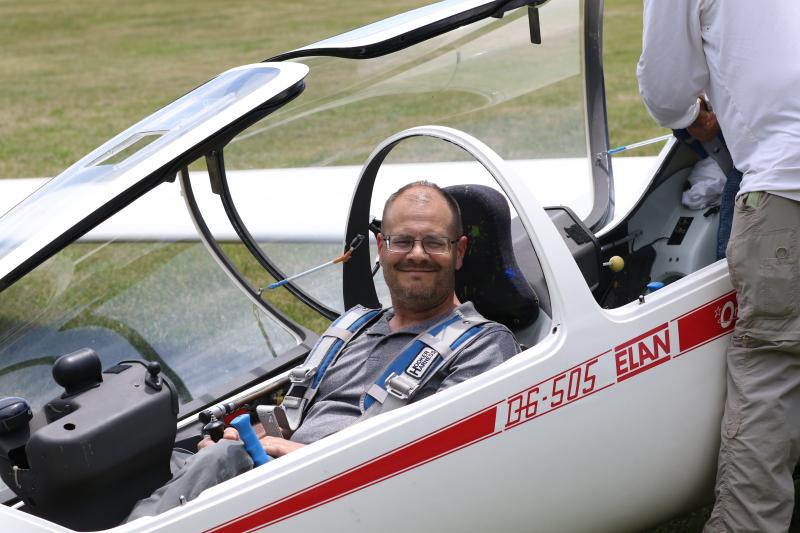 Glider flight 050